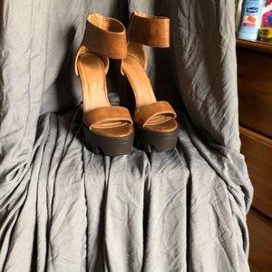 high heels light brown platform heels like new